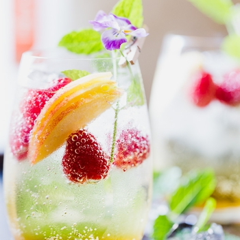 Sparkling Champagne Sangria With Peaches
