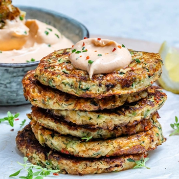 Cheesy Zucchini Fritters With Spicy Ranch Dip (Keto)