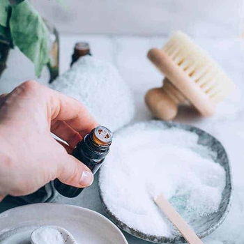 8 Reasons To Add Baking Soda to Your Next Bath