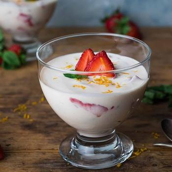 Fresas con Crema (Mexican Strawberries and Cream Dessert)