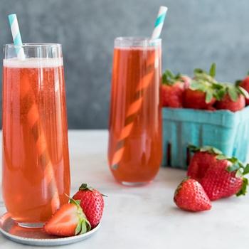 Sparkling Strawberry Rosé Elderflower Cocktail