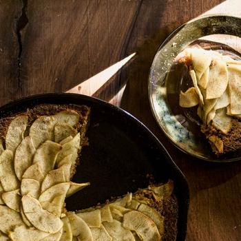 Cast Iron Apple Spice Cake