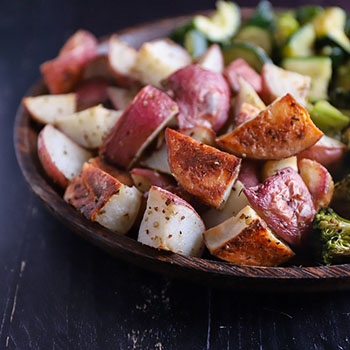 Perfect Roasted Vegetables (Broccoli, Zucchini, Potatoes)