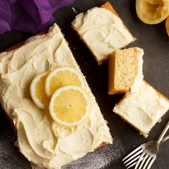 How to Make the Most Beautifully Moist Lemon Traybake