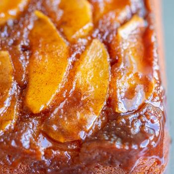 Cinnamon Spice Upside Down Apple Cake