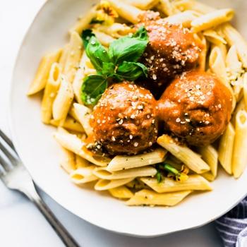 Vegan Mushroom Meatballs in Pepper Sauce {Quick Meal}