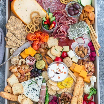 How to Make A Cheese Board – 6 Ways