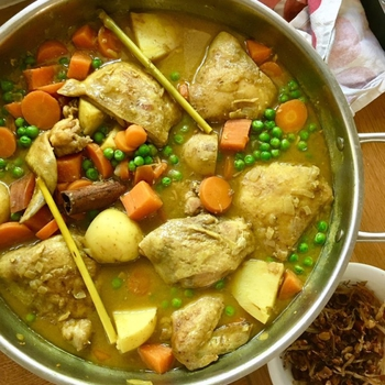 Yellow chicken curry – Malaysian style