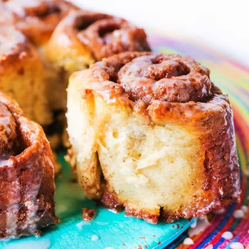 Easy No Yeast Cinnamon Rolls