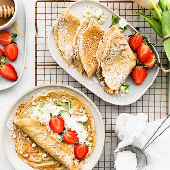 Easy Oatmeal Crepes (Vegan option)